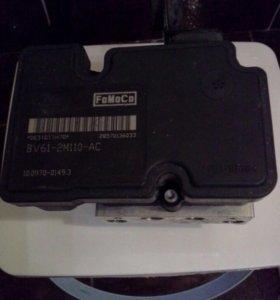 Блок управления Форд Фокус 3 Блок ABS без ESP