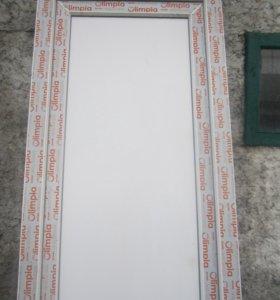 Продам НОВУЮ пластиковую балконную дверь.