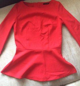 Блуза с баской трикотаж плотный 42-44р.