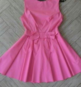 Красивое платье размер 40