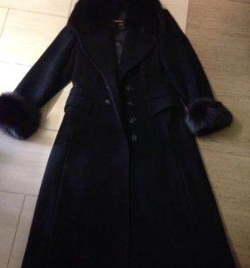 Длинное пальто с мехом Ильдан