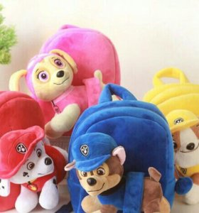 Детские рюкзачки с игрушкой.