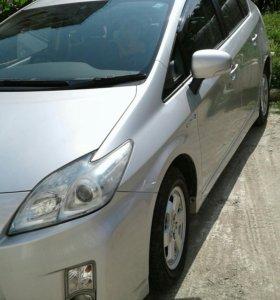 Toyota PRIUS 2010г