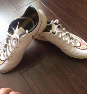 Футбольные кроссовки Mercurial