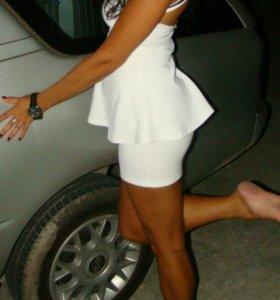 Платье вечернее белое