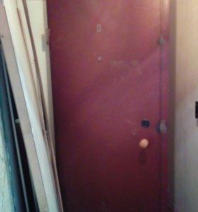 Жел. Дверь