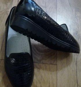 Туфли осенние черные для девочки