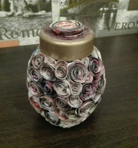 Стеклянная ваза с ручным оформлением