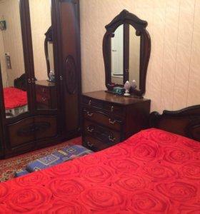 спальня из чистого дерева