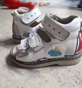 Ортопедическая обувь.