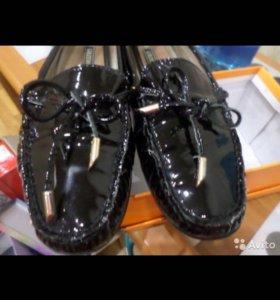 Туфли лакированные на 37 размер