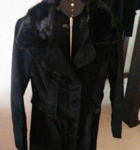 Замшевое пальто с норковым воротником