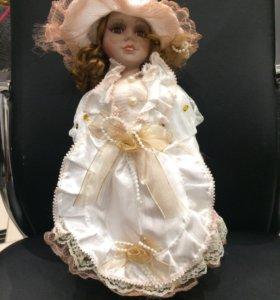 Фарфоровые куклы (коллекционные)
