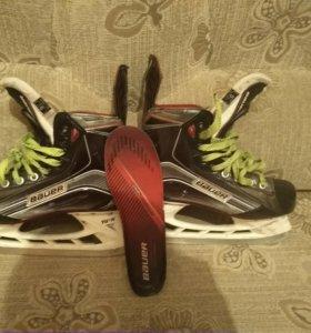 Коньки хоккейные BAUER X800