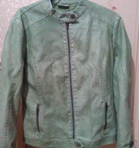 НОВАЯ Женская куртка 50-52