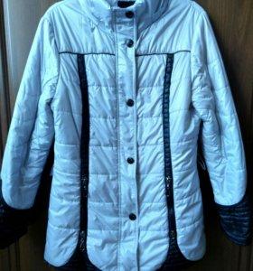 Куртка осень в отличном состояние