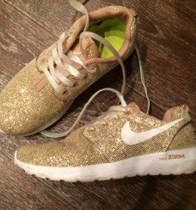 Кроссовки Nike zoom новые