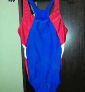 Спортивный купальник 128-134рост б.у