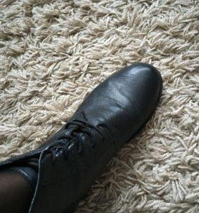 Ботиночки женские 39 размер натуральная кожа
