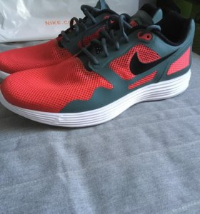 Новые кроссовки Nike 48,5 original
