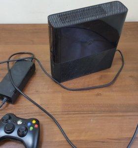 Xbox 360 E 4Gb + Kinect + 8 игр