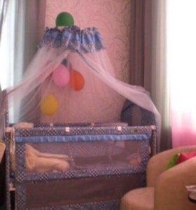 Кроватка детская с балдахином и матрацем