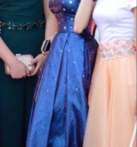 Платье синее.