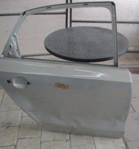 6RU833056D Дверь задняя правая VW polo бу