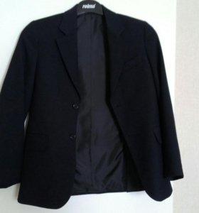 Пиджак школьный темно-синий.