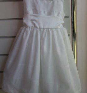 Б\У платье фирма G'J размер 1-2 года
