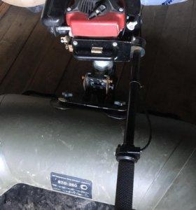 Лодка ПВХ и водомёт Хонда 2,5
