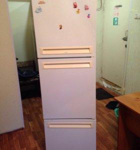 Холодильник Stinol 104КШ