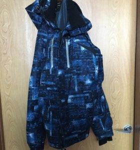 Продам зимнюю куртку в отличном состоянии