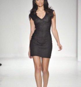 Супер мини платье bebe коллекции kardashians