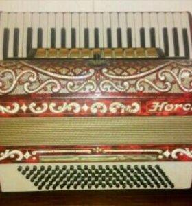 Немецкий аккордеон Horch с инкрустацией