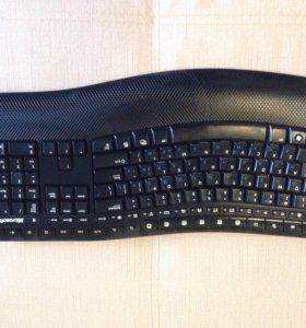 Фирменная беспроводная клавиатура и мышь