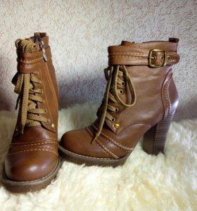 Ботинки женские 35 размер