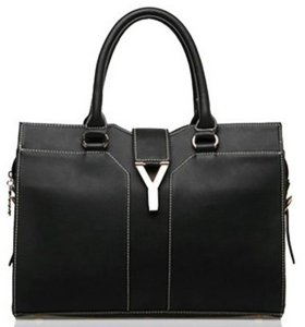 Чёрная сумка в деловом стиле, классика.