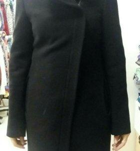 Пальто черное, демисезонное