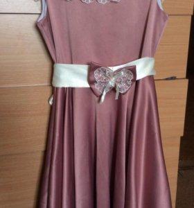 Шикарное атласное платье. Рост 140-146.