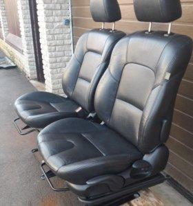 Сиденья передние мазда купе с подогревом
