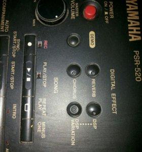 синтезатор Yamaxa PSR 520