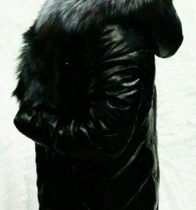 Зимний женский кожанный пуховик мехом чернобурки.