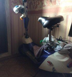 Електроный скутер
