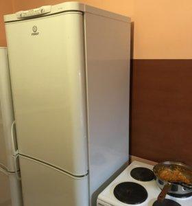 Холодильник indesit(морозилка не работает)