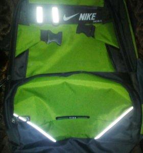 Рюкзак зелёный NIKE