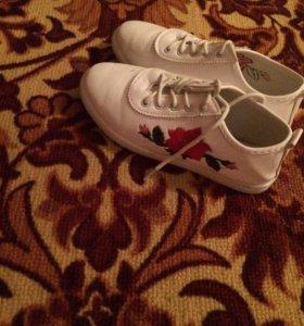 Обувь размер 35 продаю
