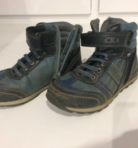 Осенние ботинки 28 размер