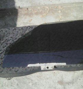Стекла на ВАЗ 09-099,на передние двери