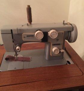Швейная машинка Подольск -142